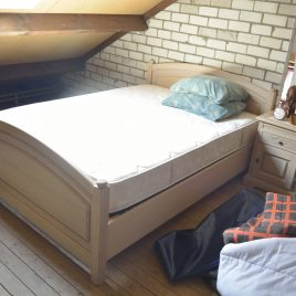 USED Klassiek 2 persoons-bed incl. 2 nachtkastjes